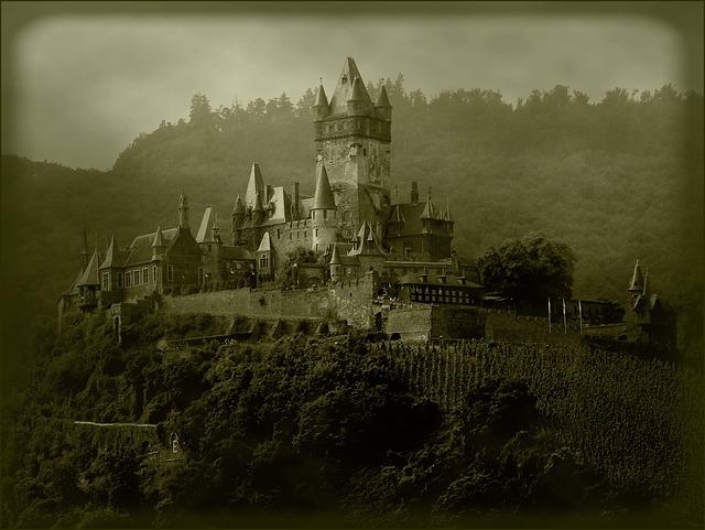 castle-261212_640